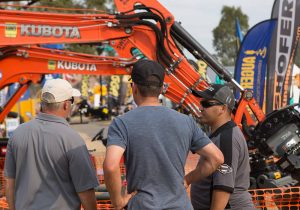 Exhibitors stands and machinery 2016 diesel dirt & turf expo